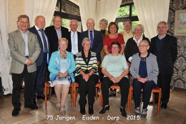 75-jarigen Eisden-Dorp vieren feest
