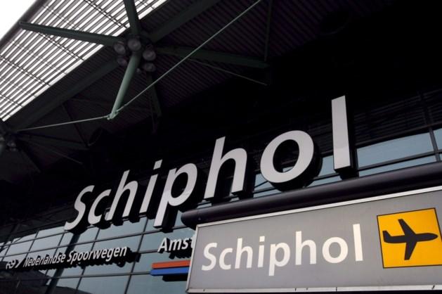 Alarm op Schiphol wegens telefoonhoesje met pistool