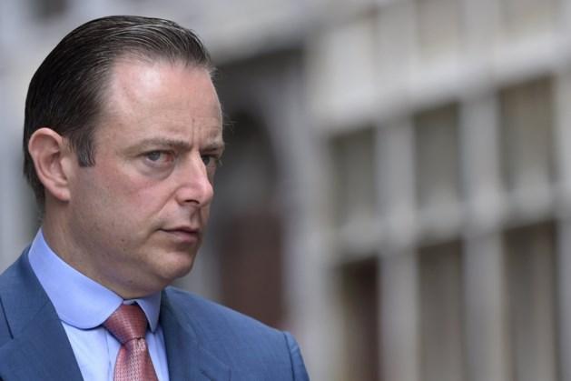 """Bart De Wever: """"Nu al apart statuut voor kindergeld"""""""
