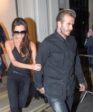 Victoria Beckham plast in broek na bonte avond