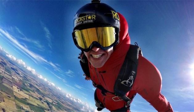 MTV-ster sterft nadat hij met parachute tegen boom knalt