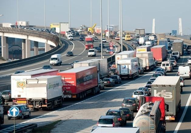 Transportfederatie UPTR dient klacht in tegen kilometerheffing