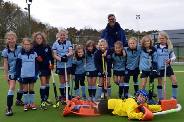 Hockeymeisjes U10 Hasselt STIX kampioen