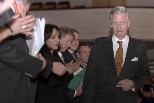 """Koning Filip over 'schandaalfoto': """"Een futiliteit"""""""