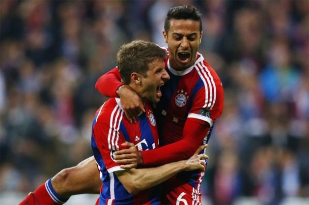 OVERZICHT. Chelsea wint onder goedkeurend oog Hiddink, Bayern maakt kloof nog groter