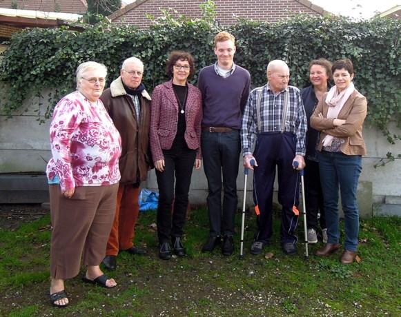 Paddenoverzetters van Beringen vieren oudste vrijwilliger (80)