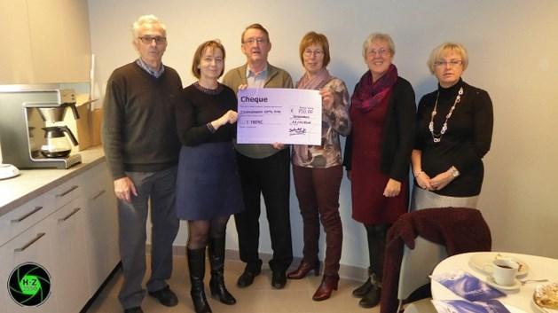 Berkenbos Leeft schenkt 750 euro aan 't Trapke in 't Weyerke