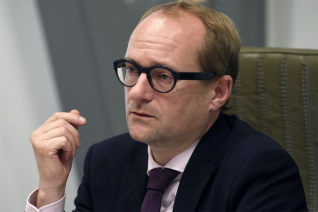"""VAB: """"Weyts legt aanbevelingen rijopleiding van Europa én eigen studie naast zich neer"""""""