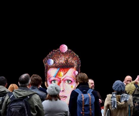 David Bowie zonder eredienst en familie gecremeerd