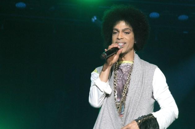 FOTOSPECIAL. De outfits van Prince doorheen de jaren