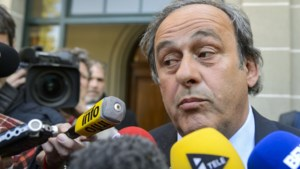 Platini blijft geschorst en stapt op bij de UEFA