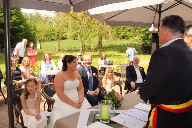 Anneleen Durant en schepen Yves Croux getrouwd!