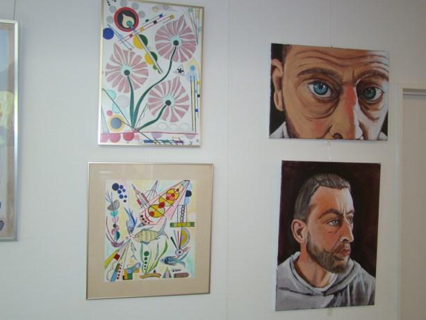 Zeven plaatselijk kunstenaars stellen tentoon in het sociaal huis