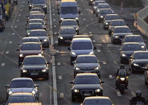 E40 richting Brussel volledig afgesloten na zwaar ongeval