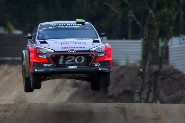 Neuville opent met tweede plaats in Rally van Portugal