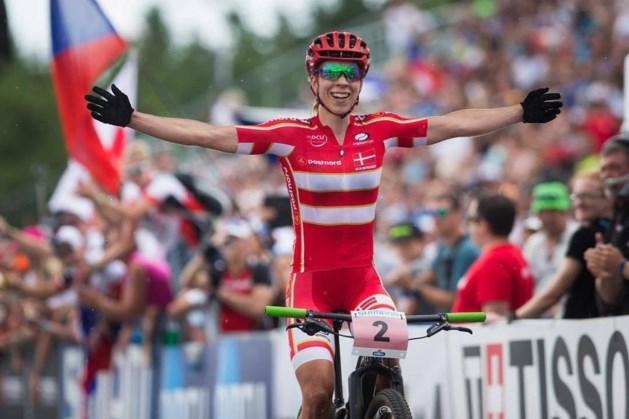 Deense kroont zich tot wereldkampioene mountainbike, Michiels heeft pech