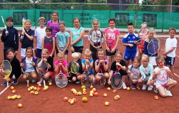 TRC houdt tenniskamp voor jongeren