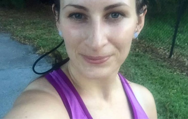 Fietser die joggende moeder beledigt, krijgt de volle laag op Facebook