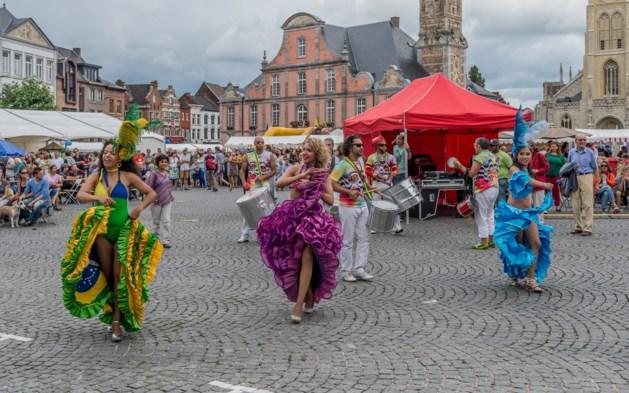 Multiculturele sferen en exotische muziek op 17de 'Fiesta Tropical'