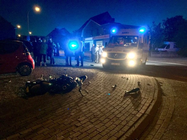 Motorrijders gewond na aanrijding met wagen in Opglabbeek