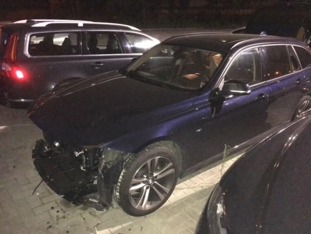 """BMW zwaar gehavend teruggevonden: """"Ze zijn er met de hele voorkant van mijn wagen vandoor gegaan"""""""
