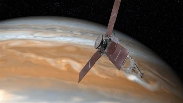 Jupiterverkenner Juno stuurt eerste beelden door