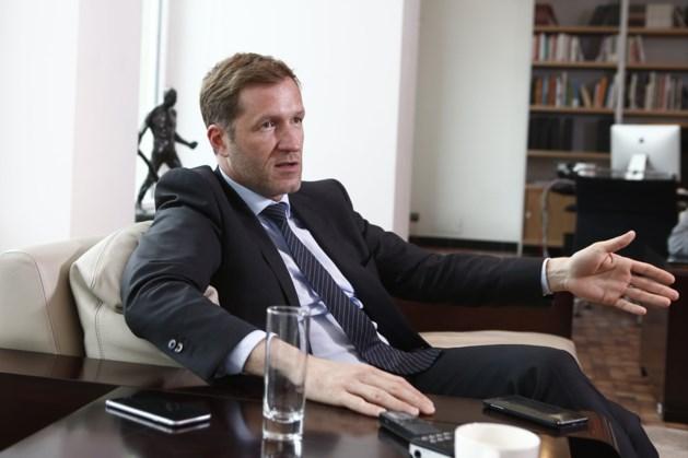 """Magnette: """"Geert Bourgeois moet stoppen met klagen over transfer"""""""