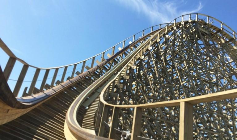 Gloednieuwe houten achtbaan Plopsaland blijft nog zeker een jaar dicht