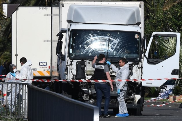 Slachtoffer aanslag Nice bezweken aan zijn verwondingen
