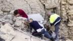 IN BEELD. Helpende handen proberen pijn te verlichten in Italië