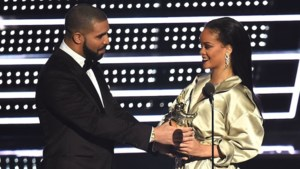 Drake verklaart zijn liefde aan Rihanna op de MTV VMAs