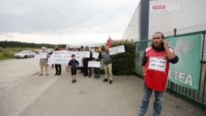 Politie verwijdert stakerspost eenmansstaker Vasco hardhandig