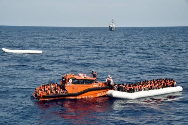 Tien vluchtelingen dood, meer dan 2.100 gered in Middellandse Zee
