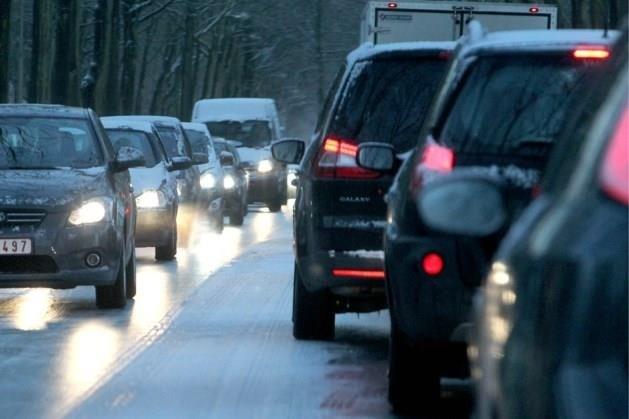 KMI waarschuwt voor gladde wegen in nacht van zaterdag op zondag