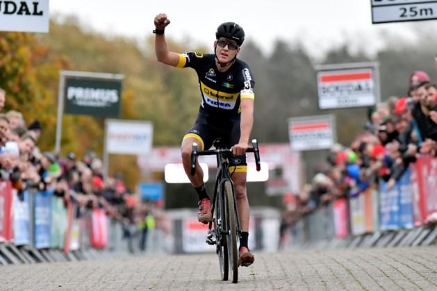 Tom Meeusen grijpt zijn kans en wint Waaslandcross na knappe solo