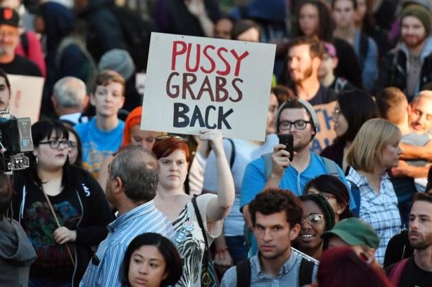 Eerste anti-Trumpprotest aan de Amerikaanse ambassade in Brussel