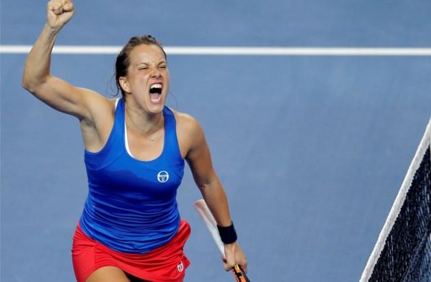 Strycova sleept vijfde duel uit de brand in finale Fed Cup, dubbelspel beslissend