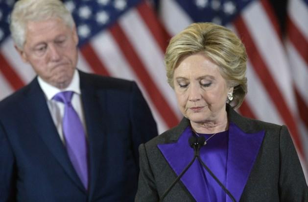 Clinton stelt dat FBI-baas Comey verantwoordelijk is voor haar nederlaag