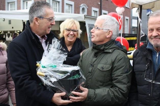 Marktkramers van Eisden bedanken Patrick Hermans