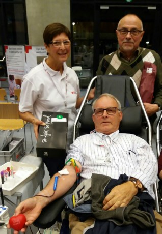 Marc Vanbekbergen geeft voor de 100ste keer bloed