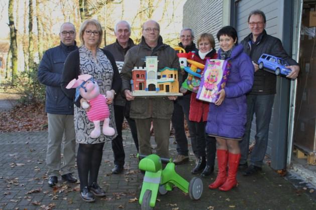 Speelgoed overgemaakt aan St-Vincentiuskring