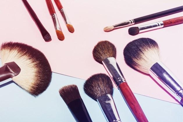 Van mascara tot lippenstift: zo lang gaat cosmetica mee