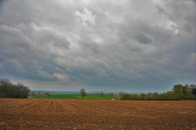 Bewolkte maar droge donderdag luidt grijs weekend in