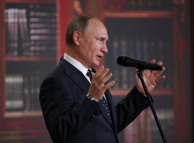 Poetin jaagt met grapje tegenstanders op de kast