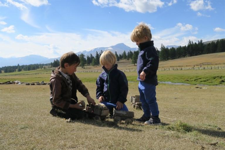 Limburgse Tristan (5) en Nanook (3) reizen wereld rond: