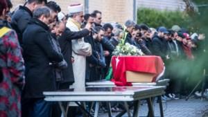 Familie en vrienden nemen afscheid van Kerim Akyil