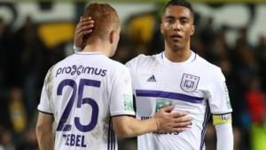 Anderlecht speelt zwak tegen Lokeren en mag nog blij zijn met 0-0