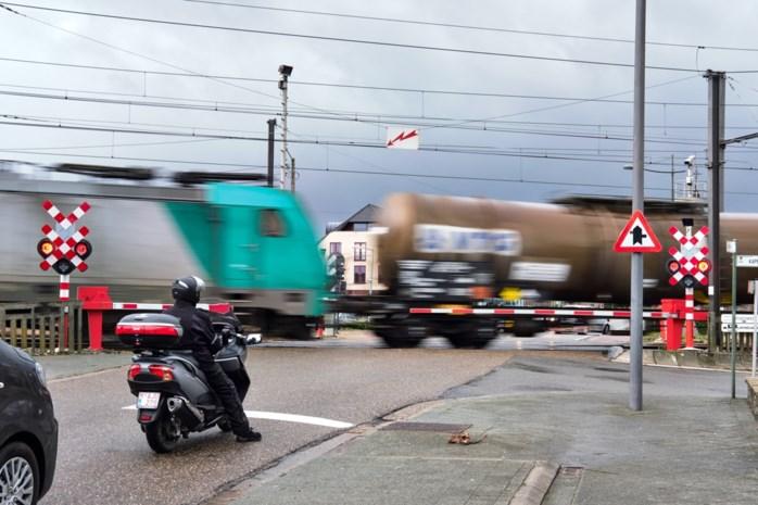 Bom onder tram Hasselt-Maastricht