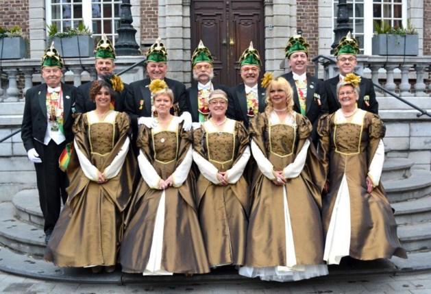 Dames van StadsRaad showen nieuw outfit