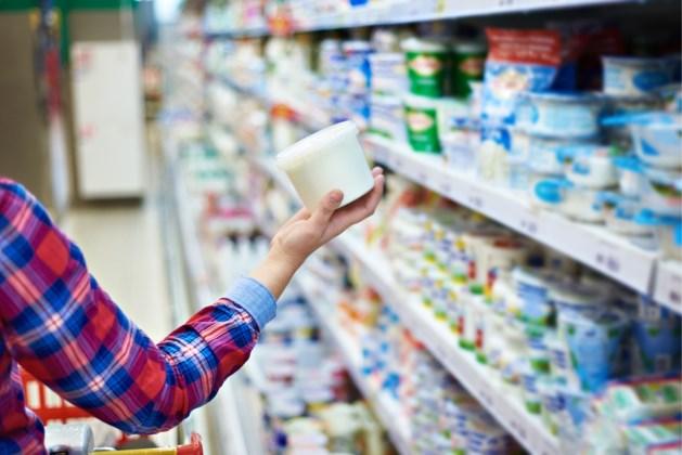 Vrouw wil yoghurtje uit koelkast nemen in Spar, maar schrikt zich bijna dood